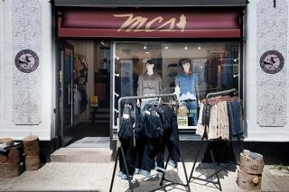 Tøjbutik med seriøs HiFi